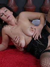 Horny mature slut in sucking and fucking action